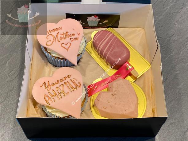 MUM-110-Mothers-Day-Cupcake-Selection-Box