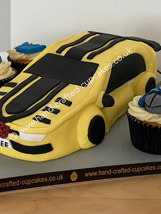 TMVC-530-Transformers-Bumblebee-Car-cake