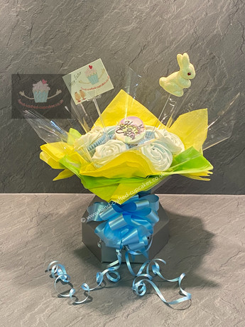 EAS-130 Easter Cupcake bouquet.jpg