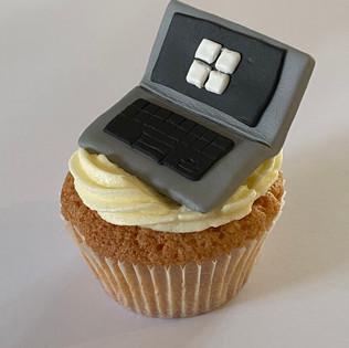 MCC260 - Laptop cupcake