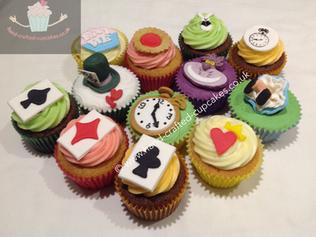BBC-230-Alice-in-Wonderland-Cupcakes