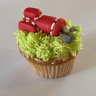 MCC210 - Golf bag cupcake
