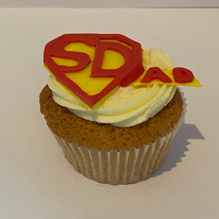 MCC340 - Superdad Cupcake