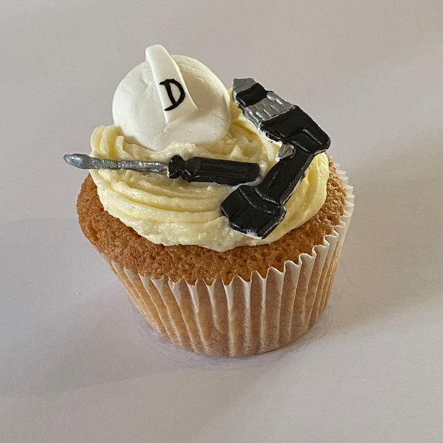 MCC190 - DIY powertools cupcake