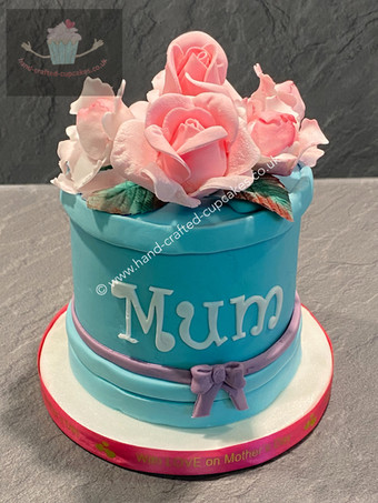 MUM-120-Mothers-Day-Cake-with-roses