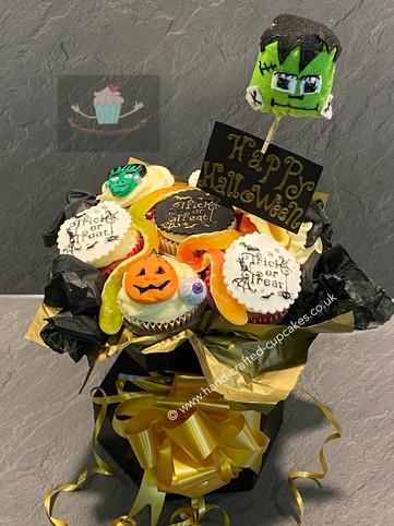 HWN-150-Halloween-cupcake-bouquet.JPG