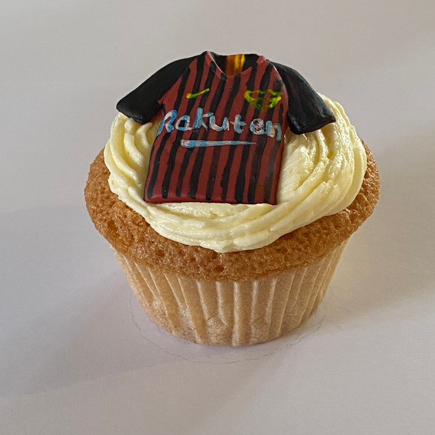 MCC200 Barcelona football cupcake