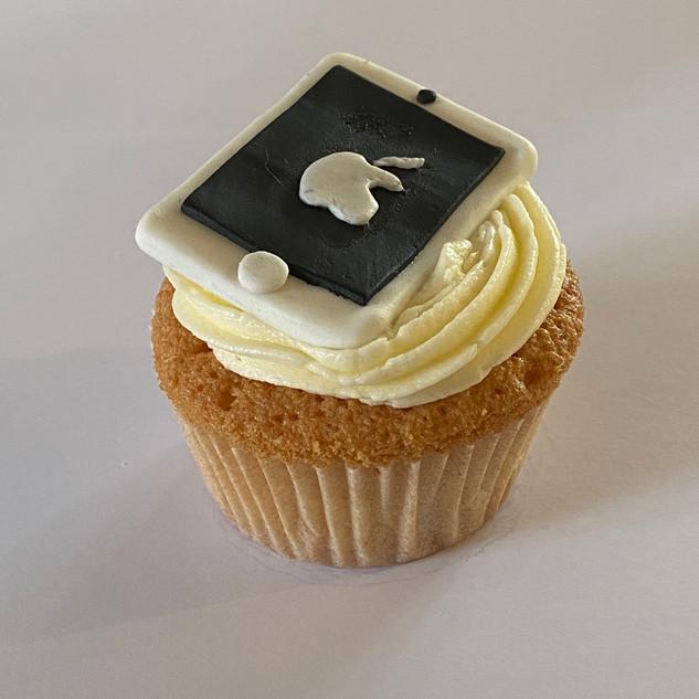 MCC250 - iPad Cupcake IMG_6576