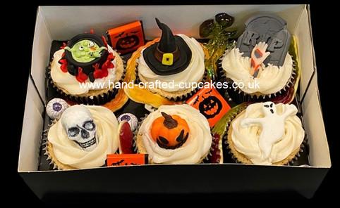 HWN-140-halloween-cupcake-treat-box.jpg