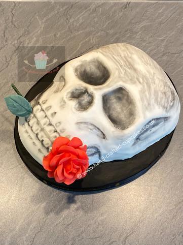 HWN-110-skull-cake.JPG