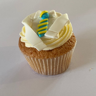 MCC310 - Shirt and Tie cupcake