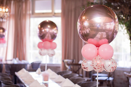 Rose gold & pink table decor