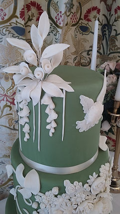 wedding cake with handmade sugarpaste flowers