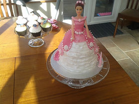 Princess Birthday Cake with Cupcakes