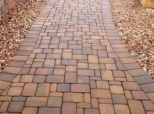 walkway-with-native-blend-pavers_edited.