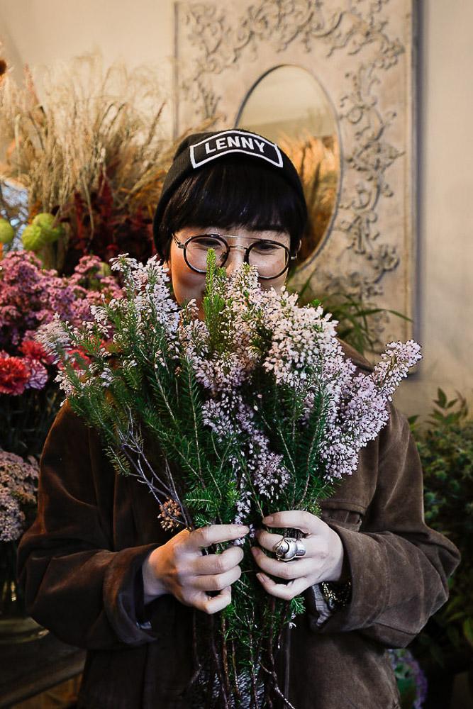 E. Tajima_Fleuriste japonaise