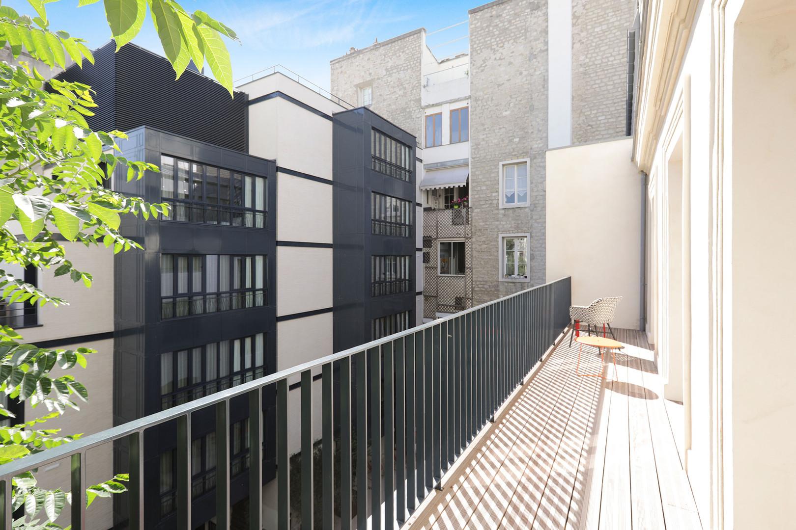 Exterior-Balcony-0C1A8867.jpg
