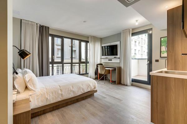 Interior-Bedroom-0C1A9011-(2).jpg
