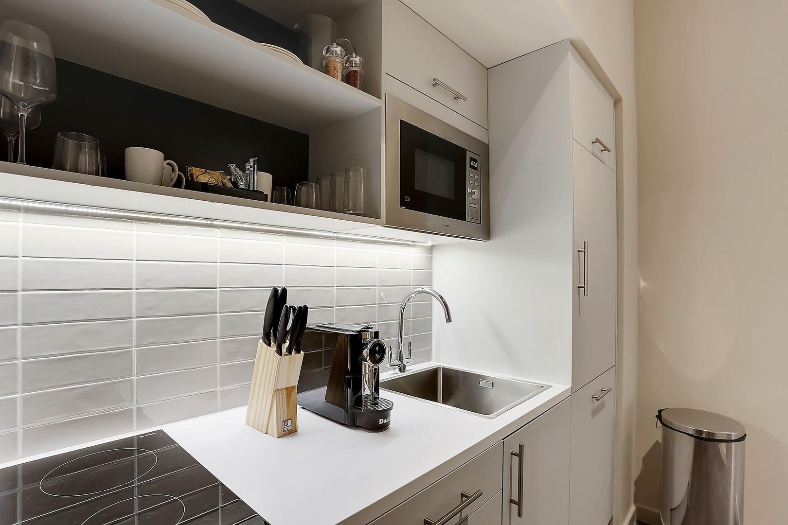 Unit-1-Kitchen-MG2760-(1).jpg