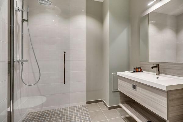 Interior-Bath-0C1A8877.jpg