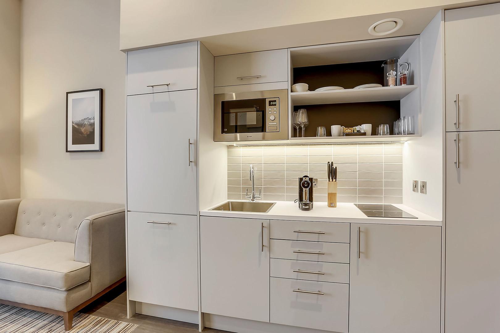 Unit-2-Kitchen-MG3001-(1).jpg