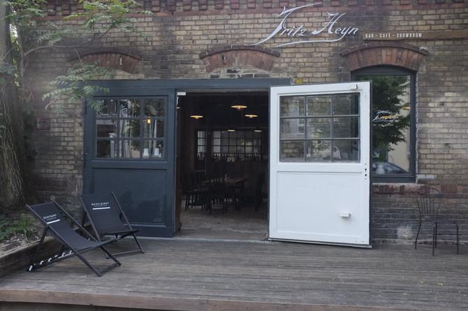 Frith Heyn - Bar Cafe Showroom