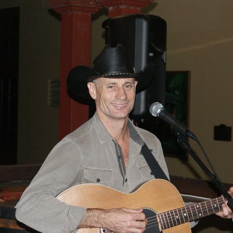 Robert at Grand in Cairns.JPG