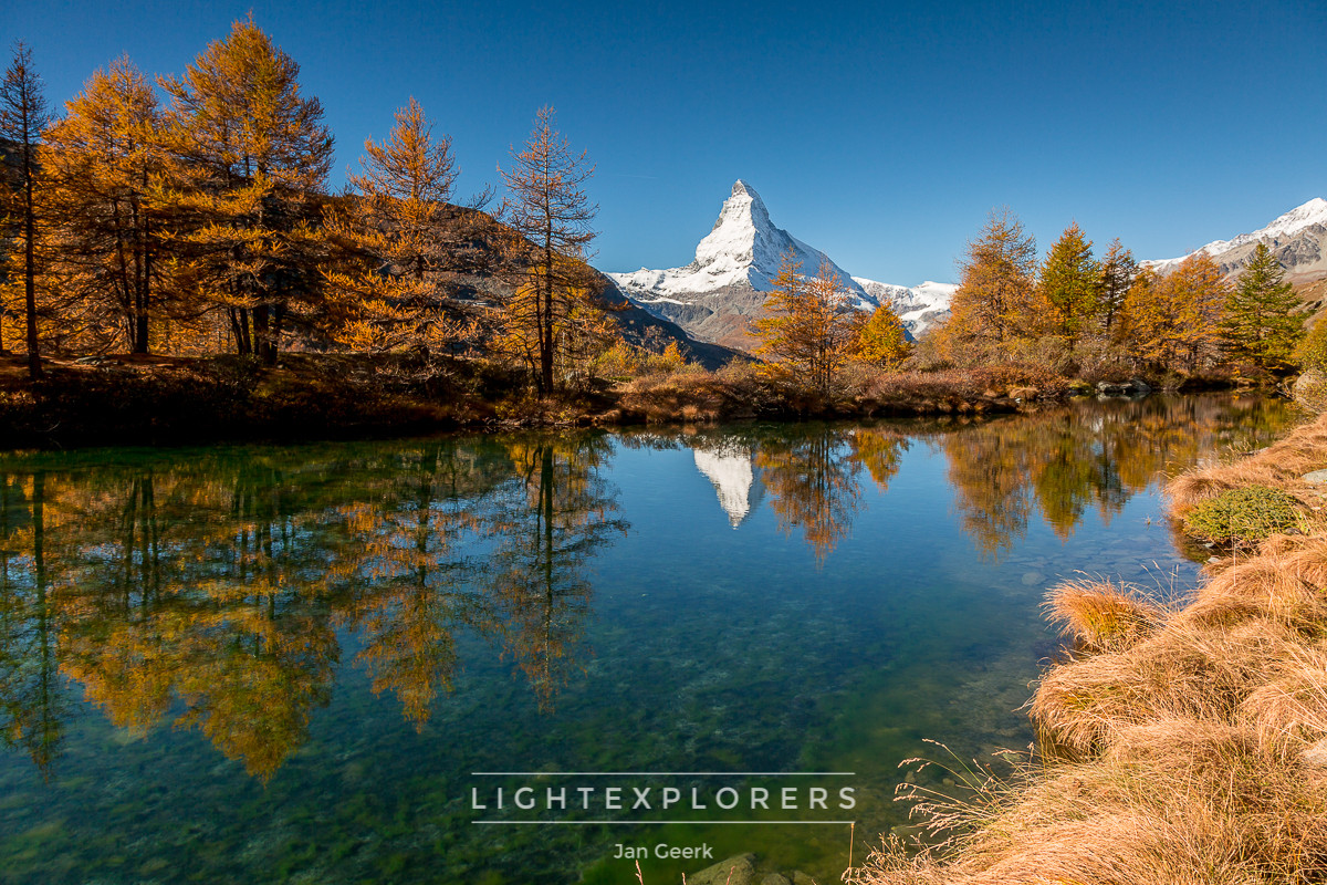 Matterhorn-Spiegelung-Bergsee-herbst