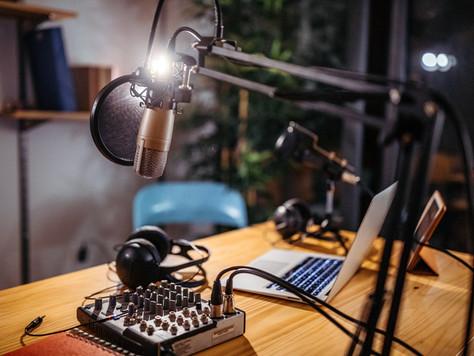 Arabada Dinlemelik Türkçe Podcast Önerileri