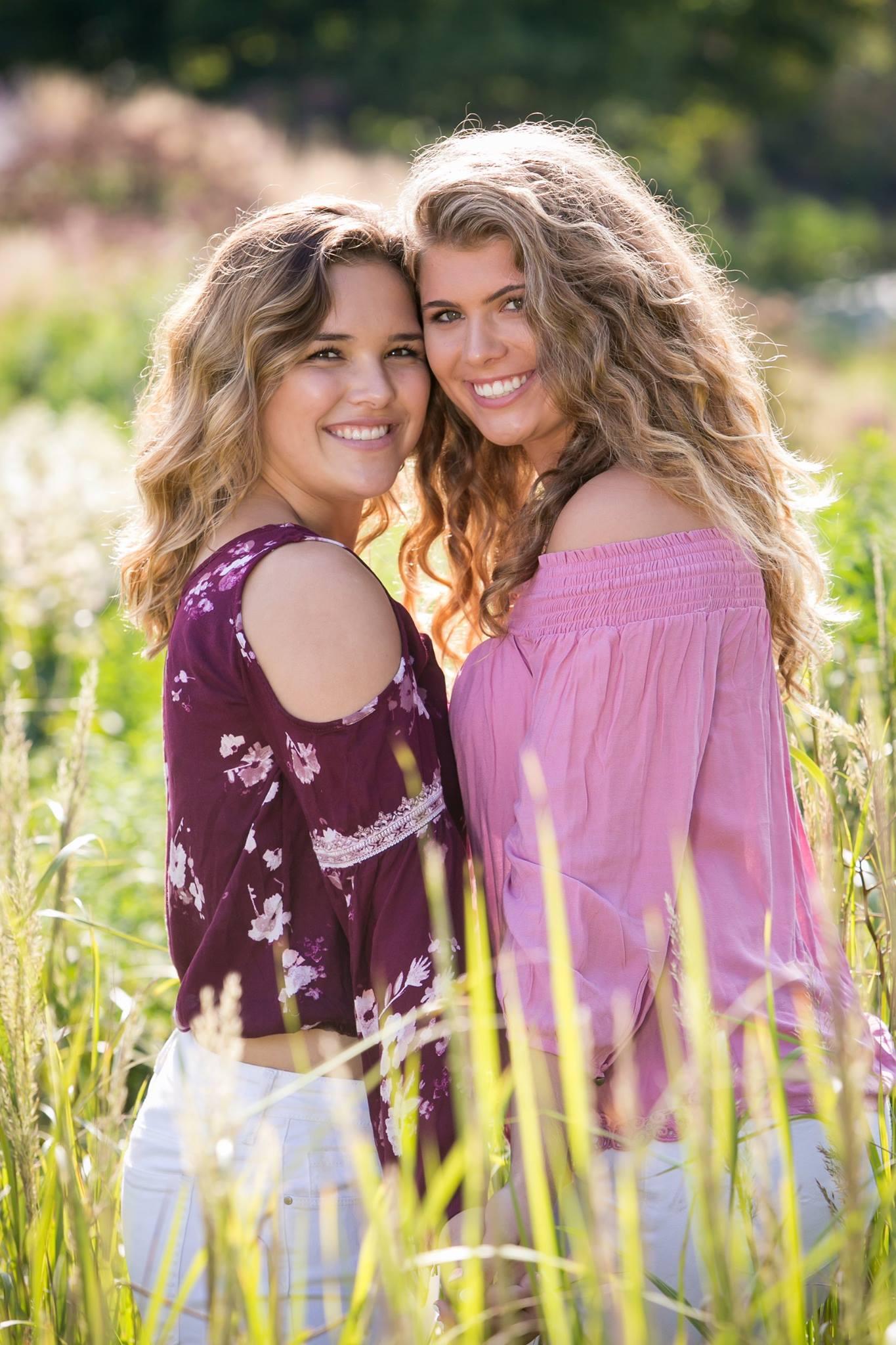Best Friends Senior Portraits