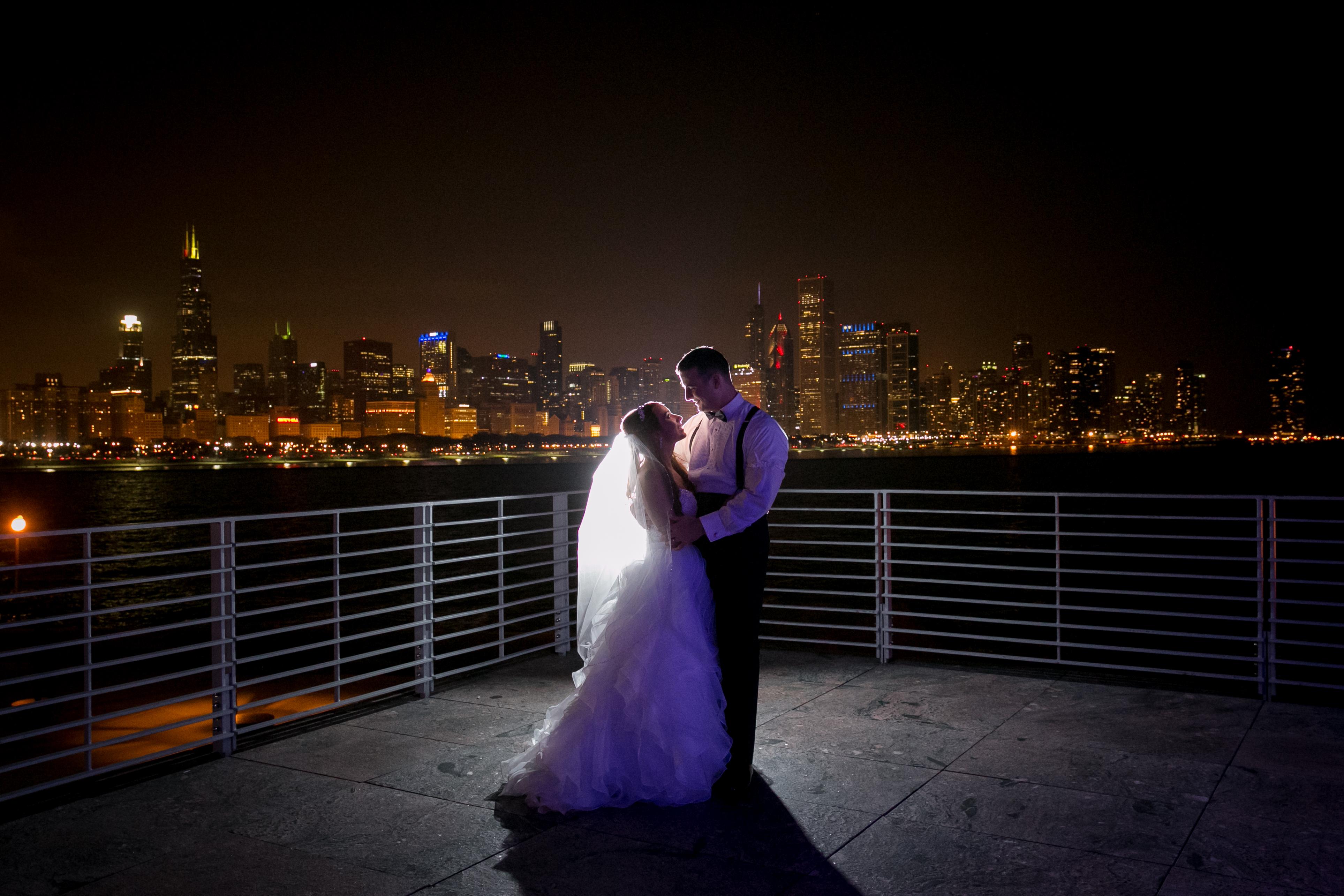 Bride and Groom Portrait: Chicago Skyline