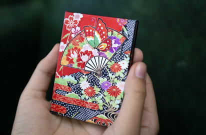 Wave Book - A tiny brag book, and will be great gift for grandparents!