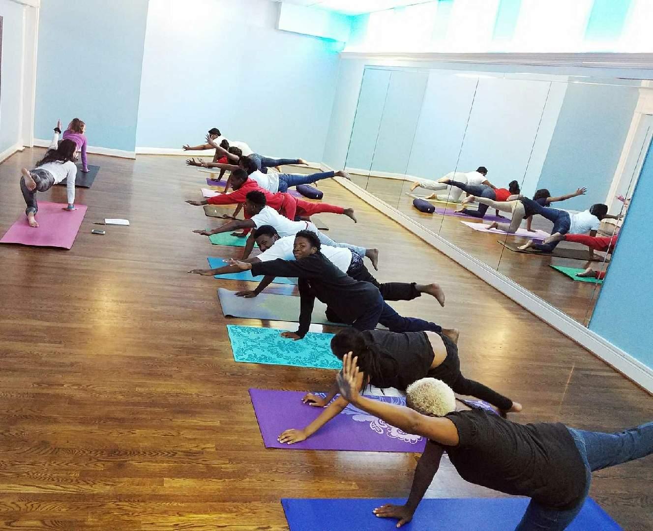 Maranathan Yoga Class