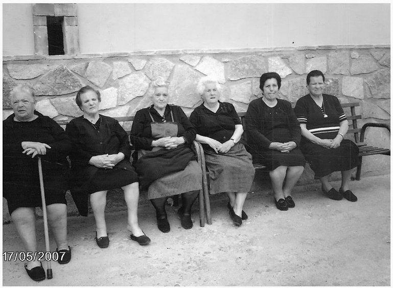 Las mujeres de la Plaza Nueva_edited.jpg