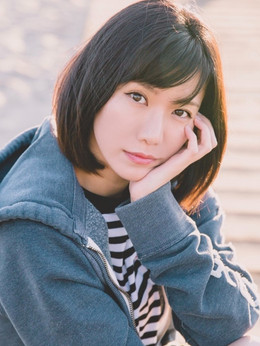 Narisa Suzuki (女優)