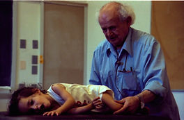 IFF_Moshe_and_child_Amherst_1981_10_h.jp