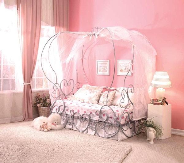 Acme Furniture Priya Canopy bed
