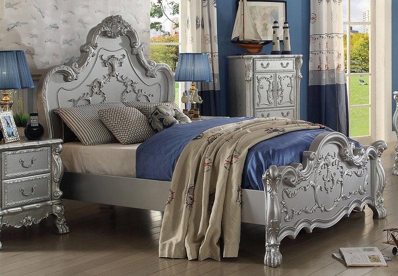 Acme Dresden Queen Panel Bed in Silver