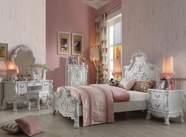 Acme Dresden Full Panel Bed in Antique White