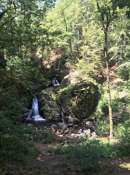 Descente sur la petite cascade du Tendon