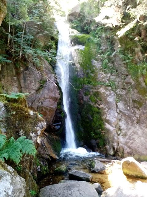 Cascade du Rudlin, eau très froide même en hiver, eau venant de la fonte des neiges venant du Hohneck