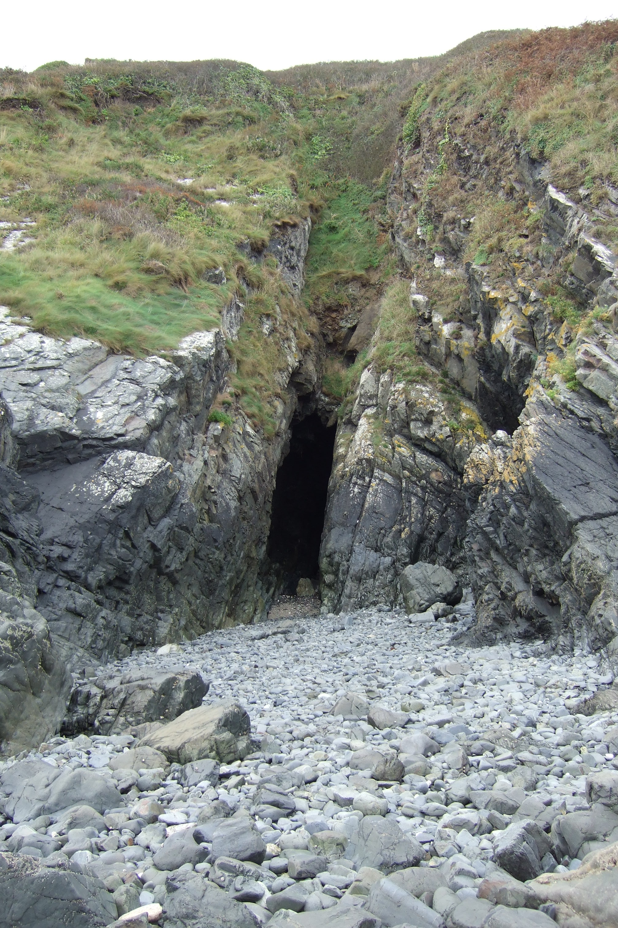 "La grotte de la "" Hour Margot """