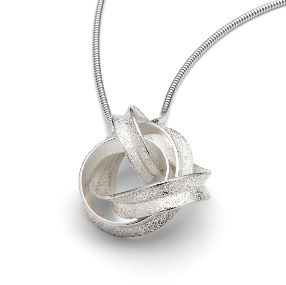 Curl Pendant Knot Silver
