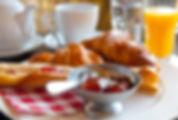 Petit déjeuner au Clos de la Canéda - Chambres d'hôtes à Sarlat