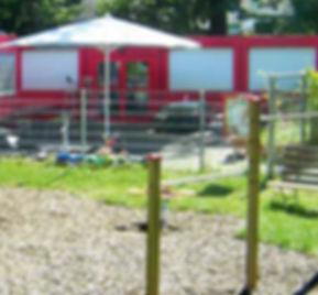 3-Bahama-Grossschirme-fuer-Kindergaerten