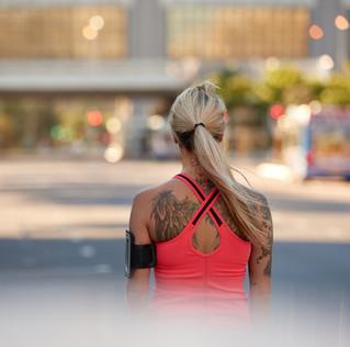 Será que as tatuagens podem prejudicar sua corrida?