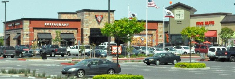 Salinas Shopping Center Stores & Restaurants
