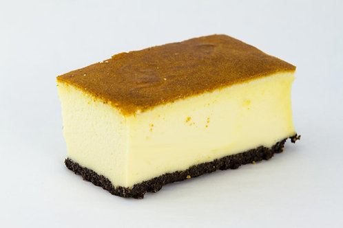 Cheesecake on Poppyseed Crust (per kilogram)
