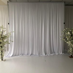 backdrop_white_without_swag_silk_1.jpg