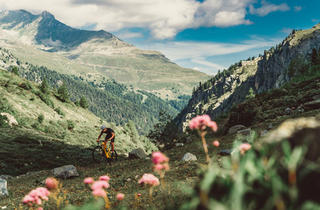 Mountain Bike Photography: Mountain biking in the Swiss Alps
